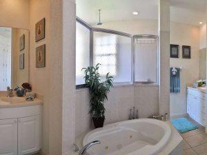 Immobilien Cape Coral: Immobilien Cape Coral Expose: Möbliertes Haus mit Pool am Gulf Access Kanal
