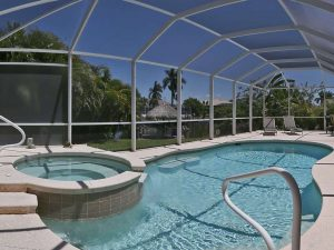Haussuche Cape Coral: Immobilien Expose Cape Coral: Möbliertes Haus mit Pool am Gulf Access Kanal