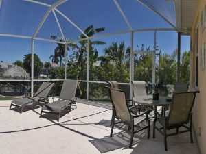 Immobiliemakler Cape Coral: Immobilien Expose Cape Coral: Möbliertes Haus mit Pool am Gulf Access Kanal