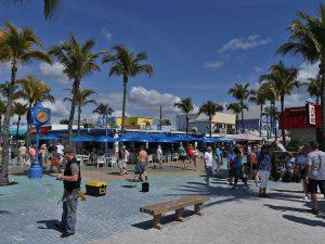 Immobilien Fort Myers Beach - Strandhaus, Strandwohnungen, Ferienwohnungen, Haeuser und Villen kaufen am Meer oder direkt am Strand Florida, Naples, Marco Island, Bonita Beach, Bonita Springs, Estero, Fort Myers, Fort Myers Beach,, Cape Coral & Sanibel USA