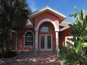 Haus Bell Villa Bonita Springs - Haus mit Pool Bonita Springs Florida kaufen, Immobilien Bonita Springs - Strandhaus, Strandwohnungen, Ferienwohnungen, Haeuser und Villen kaufen am Meer oder direkt am Strand Florida, Naples, Marco Island, Bonita Beach, Bonita Springs, Estero, Fort Myers, Fort Myers Beach, Cape Coral & Sanibel USA