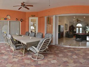 Ferienhaus Bonita Springs: Ferien Villa Bonita Springs zu verkaufen - Pool, Blick auf 2 Seen - 5000 qm Grundstueck + Separates Apartment