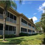 Makler Mariners Cove Wohnungen North Fort Myers mit traumhaftem Wasserblick zu verkaufen