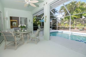 Moebliertes Ferienhaus kaufen Bonita Springs Florida, strandnah kaufen und mieten