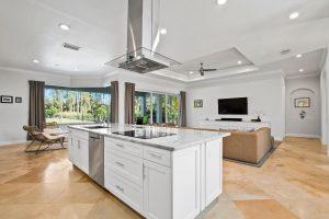 Immobilien Naples: Einfamilienhaus zu verkaufen Florida USA