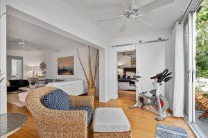 Wohnungen, Ferienwohnungen, Eigentumswohnungen kaufen in Naples Florida, moebliert und unmoebliert - Naples Bath & Tennis Club, Tennisanlage Naples