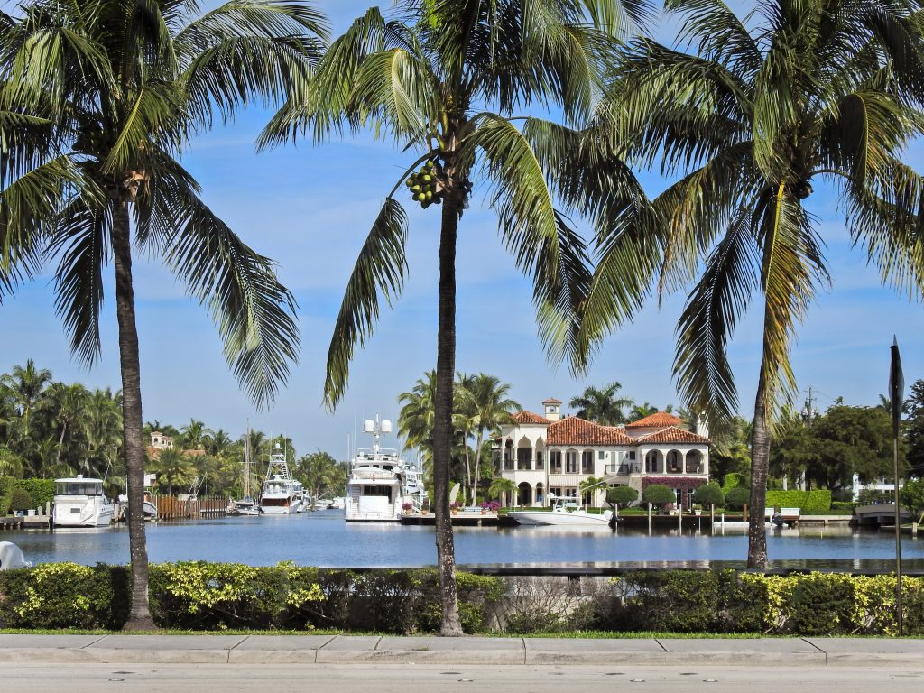 LUXUSHÄUSER Cape Coral kaufen | Villen, Exklusive Ferienhäuser und Luxuswohnungen kaufen und verkaufen mit Posh International - Immobilien Cape Coral FLA