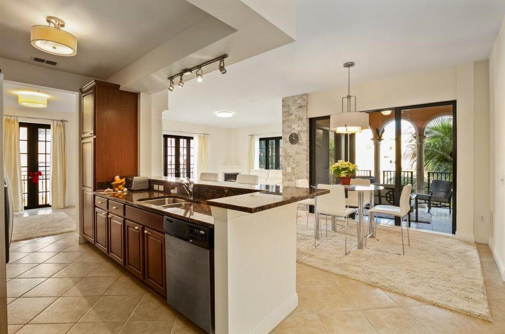 Wohnung Estero Florida Kaufen - 8010 Via Sardinia Way 4204 Estero Florida, Deutscher Makler, Estero, Immobilien, Immobilienmakler, Coconut Point Mall